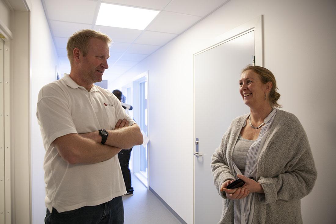 Anleggsleder i Lindal Hus, Kjetil Strand, og enhetsleder ved Orreveien Ressurssenter, Torunn Ingvaldsen, har samarbeidet godt under byggeprosessen.